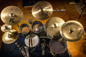 Drum kit overhead